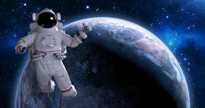 لعشاق الفضاء.. حول جهازك الذكي لتلسكوب